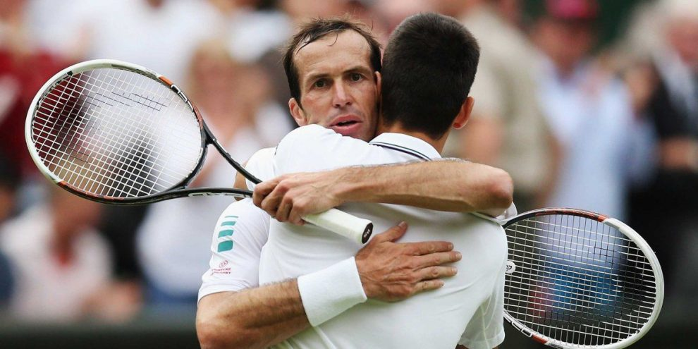 Stepanek Djokovic abrazo