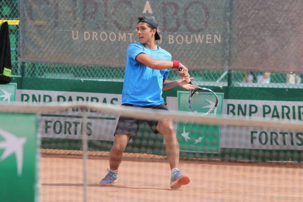 Franco Aubone jugando un partido