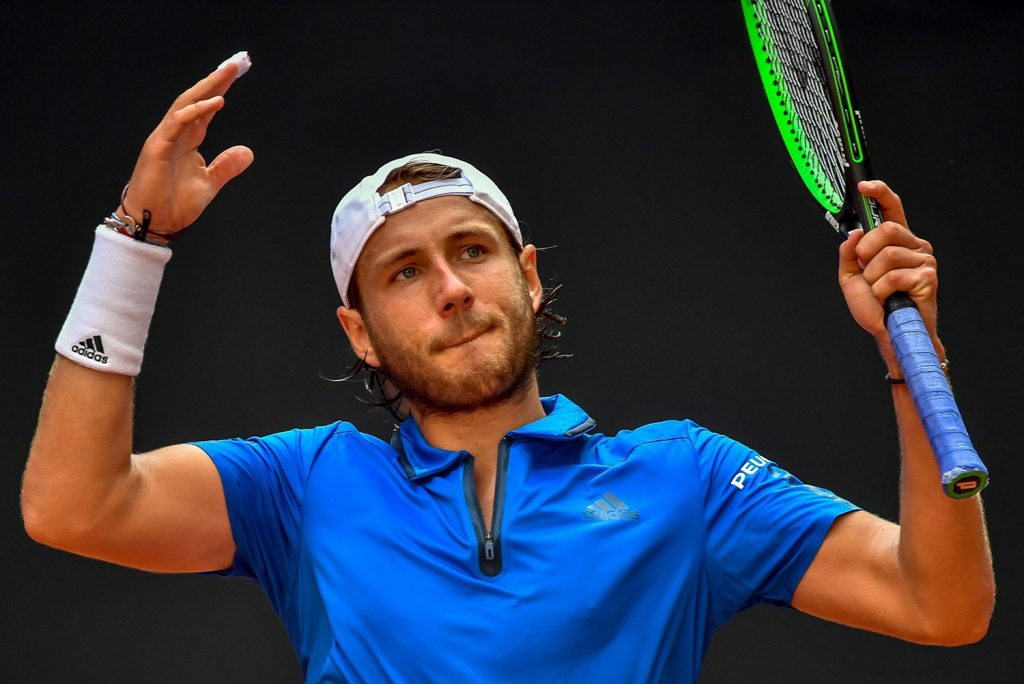 Lucas Pouille anima al público en la Copa Davis