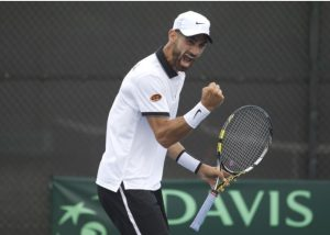 Ricardo Rodríguez celebra un punto en Copa Davis con Venezuela