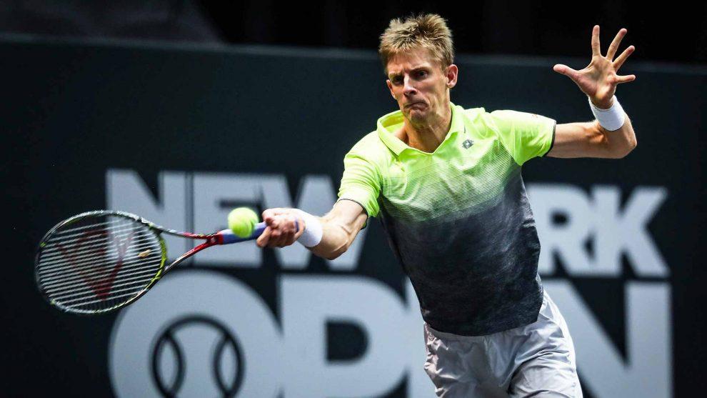 Anderson golpea una derecha en el ATP de New York