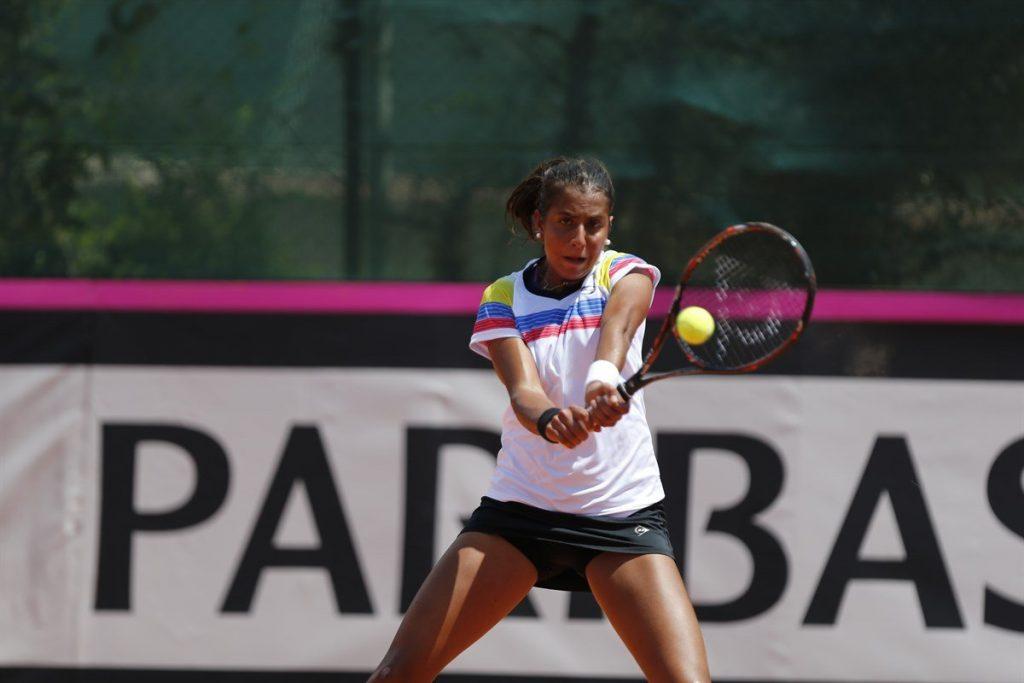 Aymez jugando la Fed Cup con Venezuela