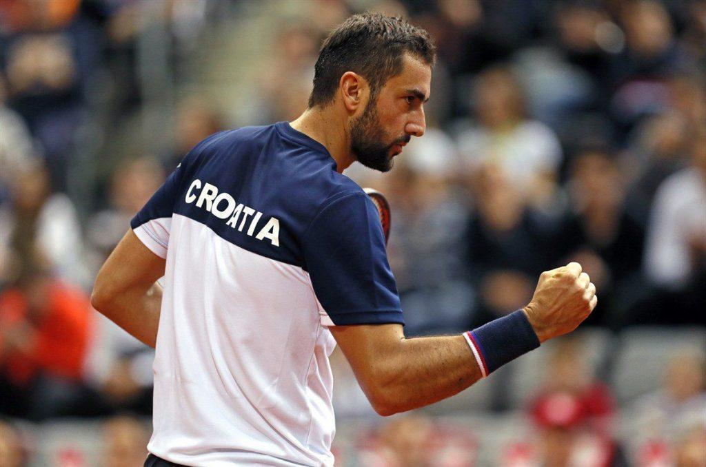 Cilic celebra un punto en Copa Davis con Croacia