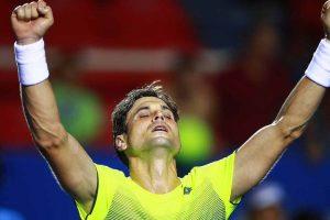 Ferrer celebra el triunfo en el ATP de Acapulco