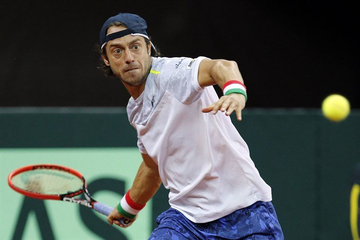 Paolo Lorenzi jugando con Italia la Copa Davis