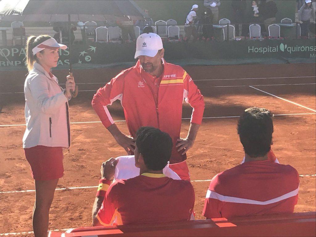 Sergi Bruguera habla con Carreño y Feliciano