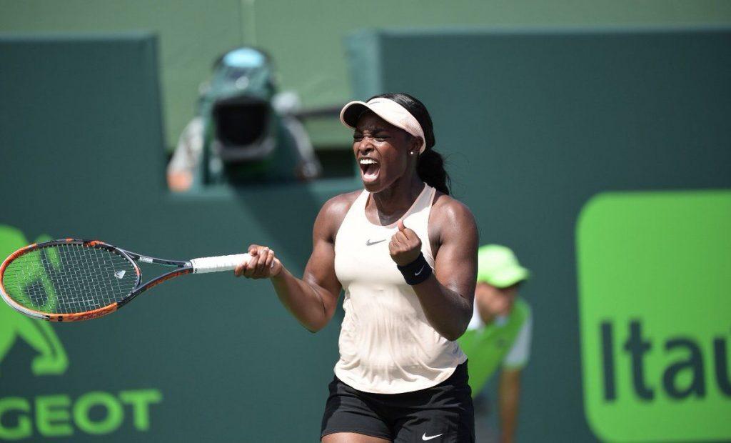 Sloane Stephens celebra un punto en el Miami Open