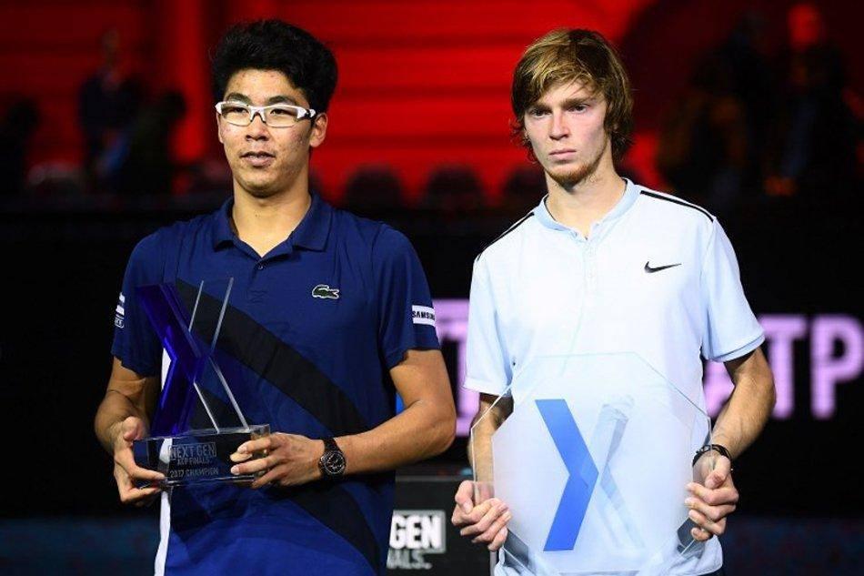 Chung y Rublev en la entrega de premios de las Nitto ATP Finals