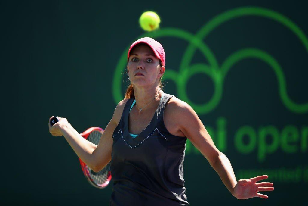 Collins golpea una derecha en el Miami Open