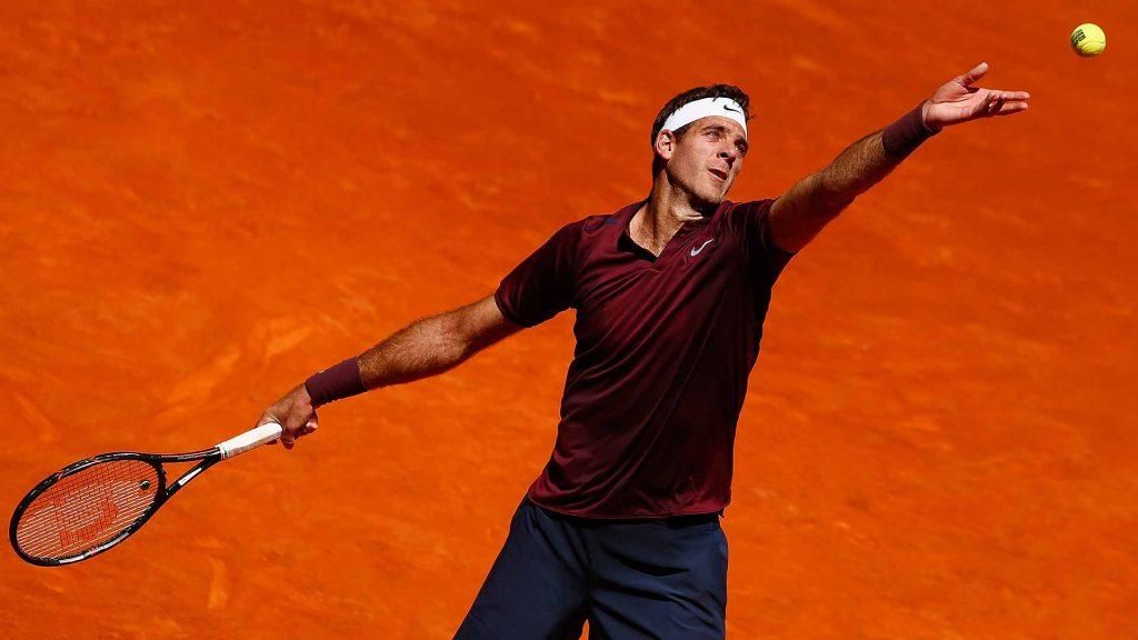 Del Potro sirviendo en el Mutua Madrid Open
