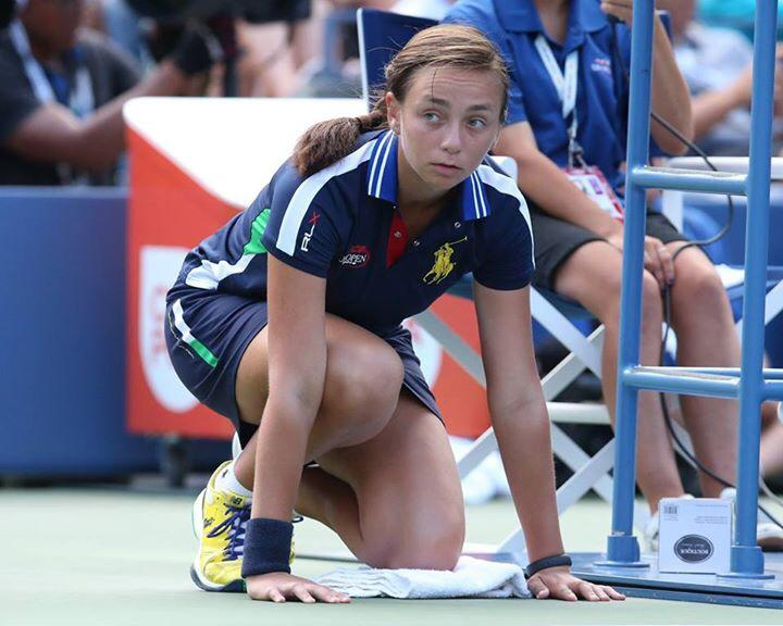 Francesca Fachin de recogepelotas en el US Open