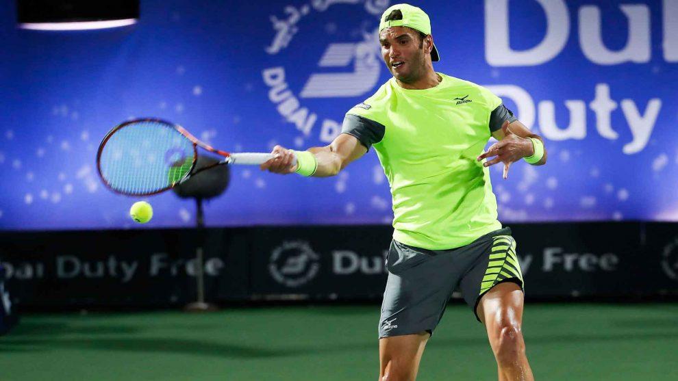 Jaziri golpea un derecha en el ATP de Dubai