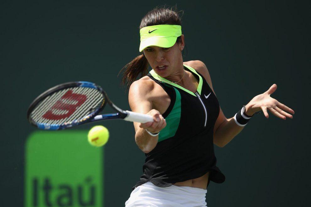 Tomljanovic golpea una derecha en el Miami Open