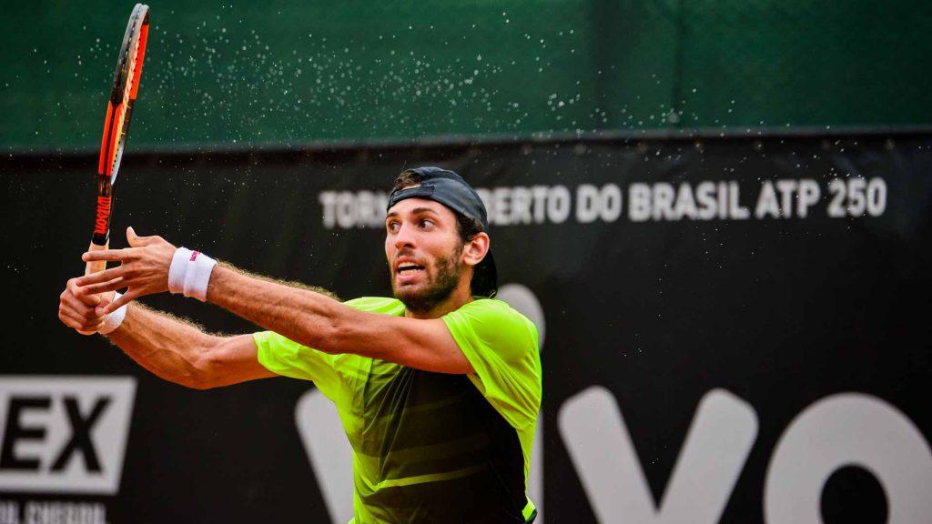Clezar durante un partido en el ATP de Brasil