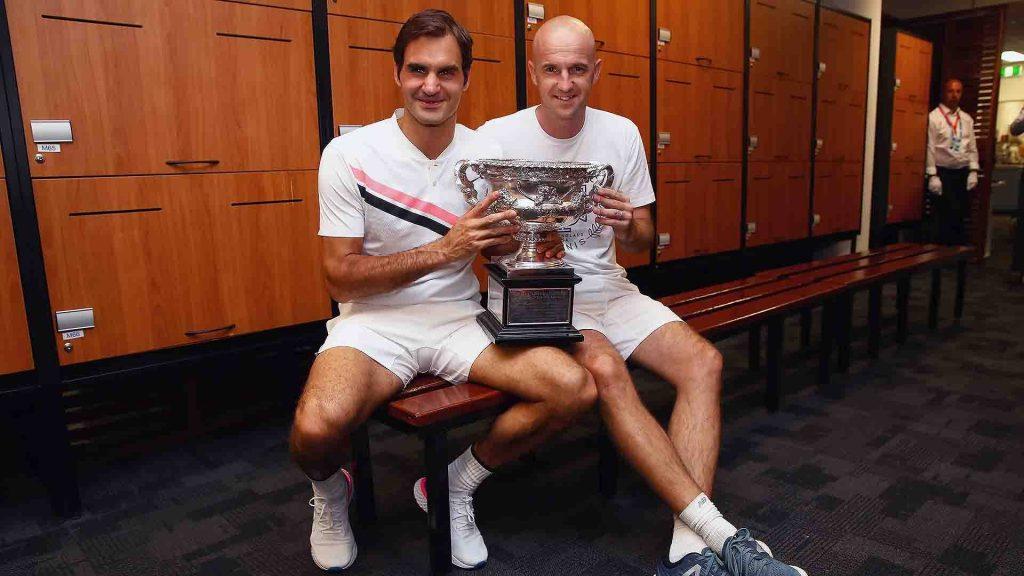 Federer y Ljubicic posan con el título del Open de Australia 2018