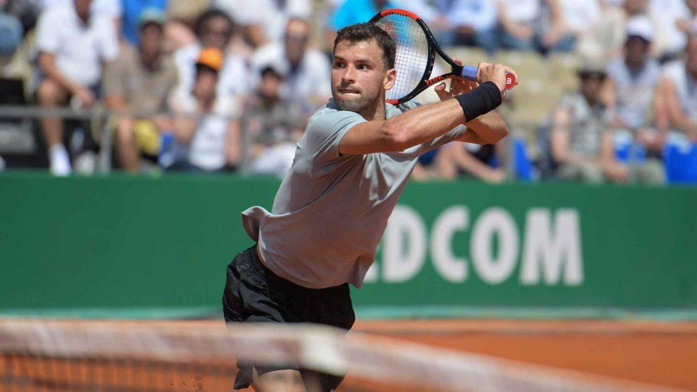 Dimitrov realiza una volea en Montecarlo