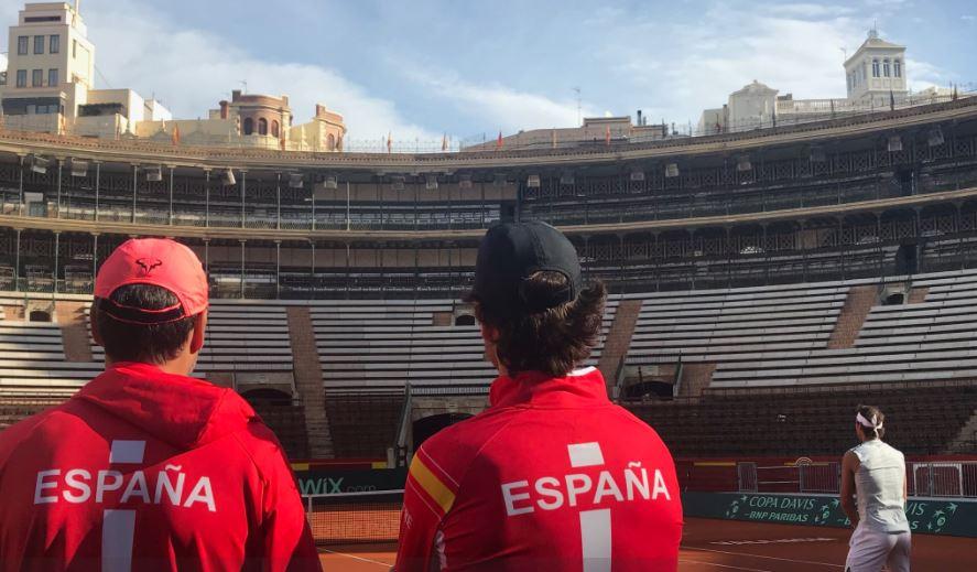 Nadal entrenando en Valencia en la Copa Davis