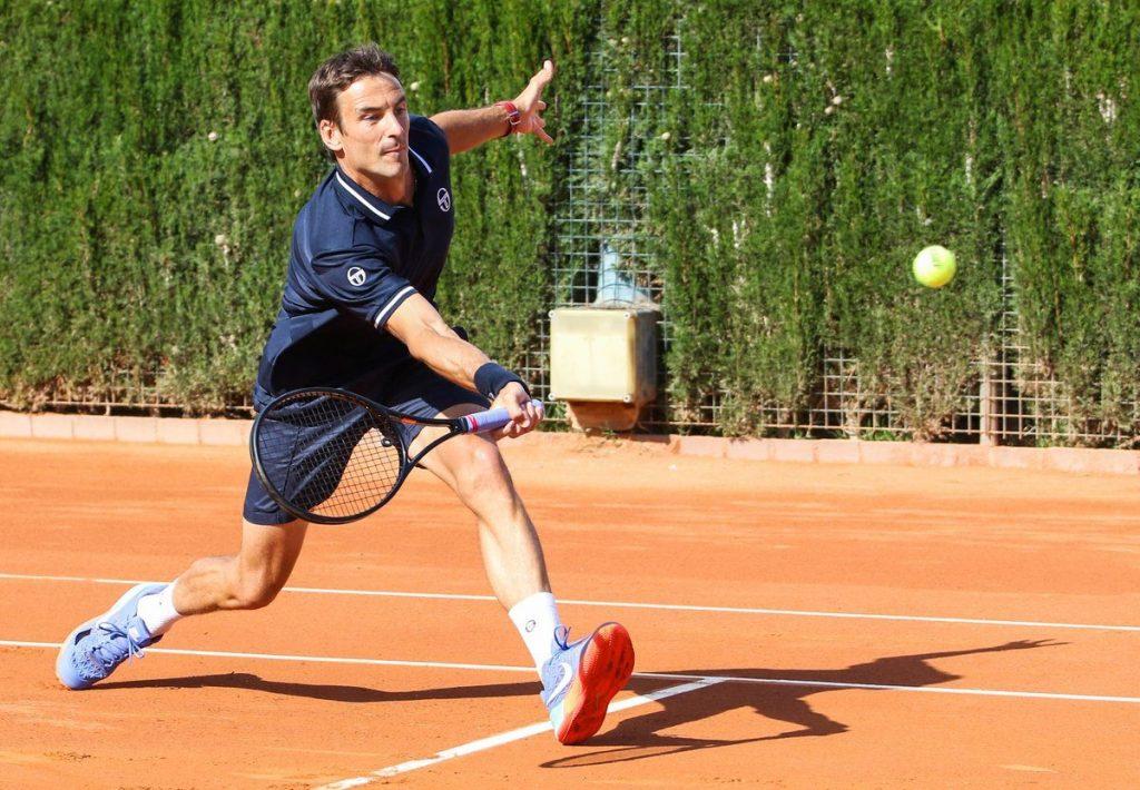 Robredo jugando en el Barcelona Open Banc Sabadell