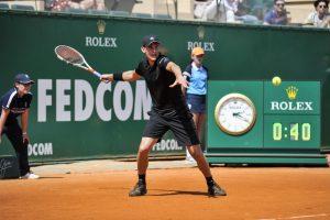 Thiem golpea una derecha en el Masters 1000 de Montecarlo