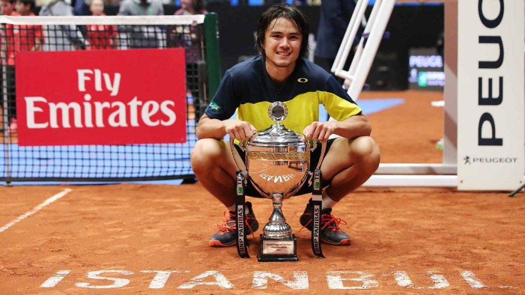 Taro Daniel con el título en el ATP de Estambul