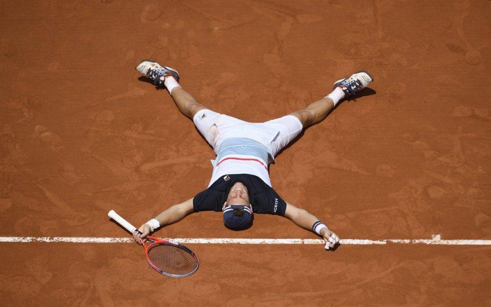 Schwartzman celebra el triunfo ante Anderson en Roland Garros 2018