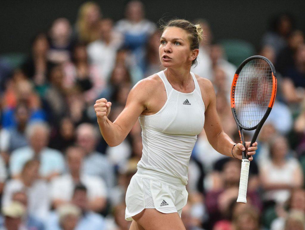 Simona Halep celebra un triunfo en Wimbledon