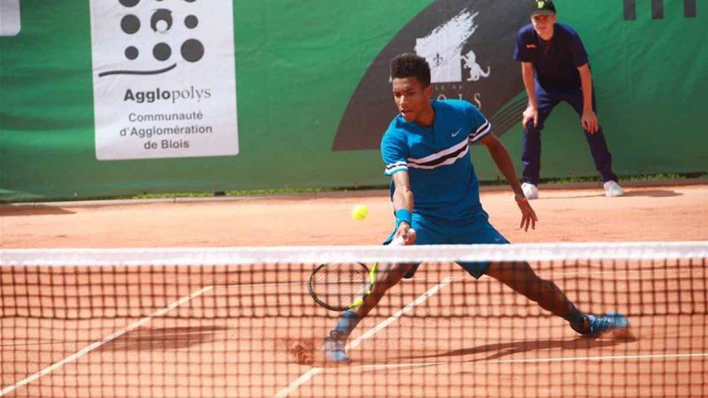 Auger Aliassime disputando el Challenger de Blois