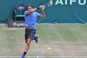 Jugadores que ganaron a Roger Federer una final en hierba