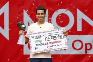Jaume Munar con el título del Challenger de Prostejov