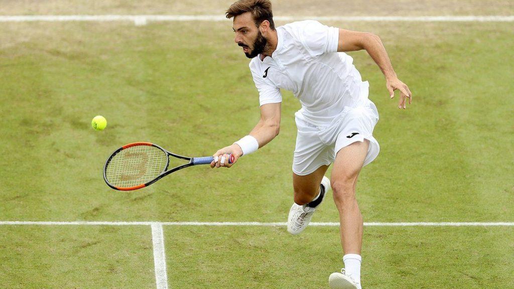 Marcel Granollers voleando en el ATP de Newport