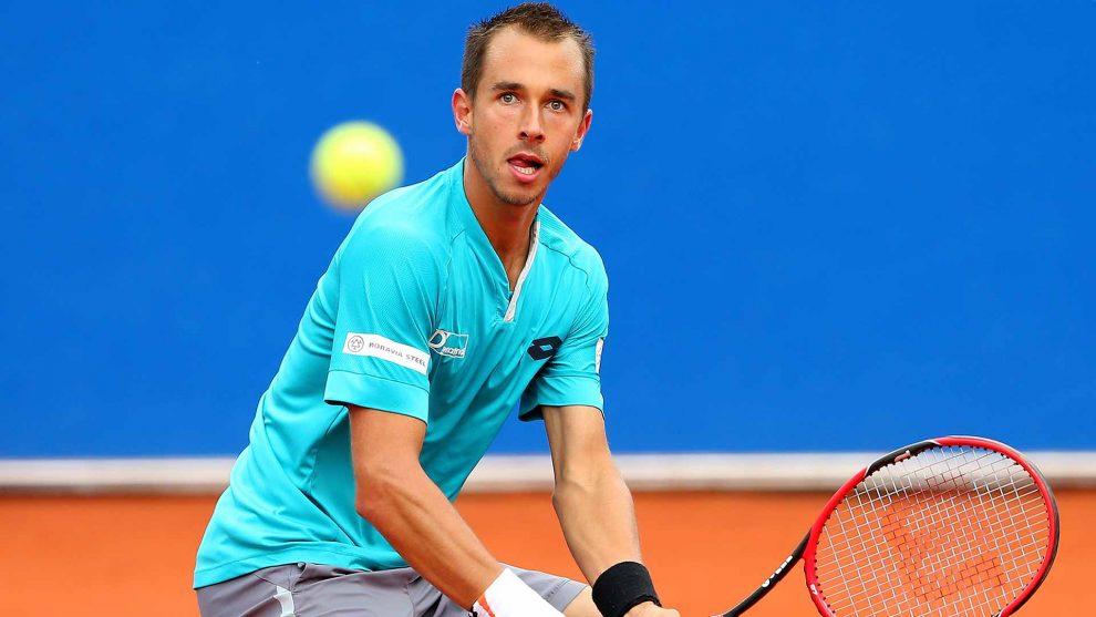 Lukas Rosol disputando la final del ATP de Umag en 2014