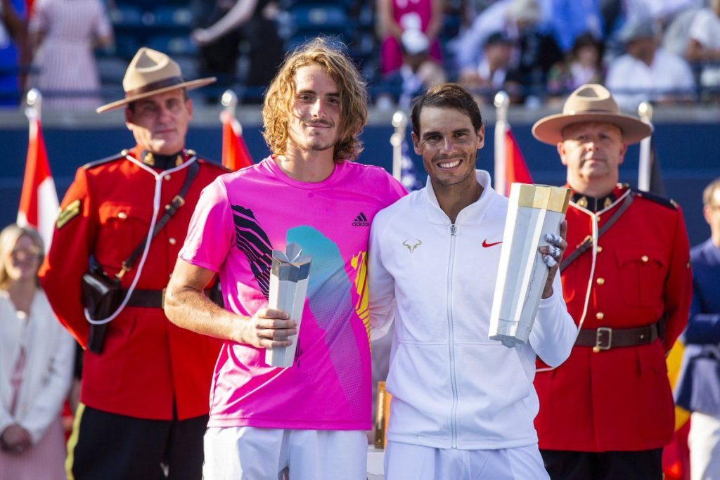 Nadal y Tsitsipas posan con los títulos del Masters 1000 de Toronto 2018