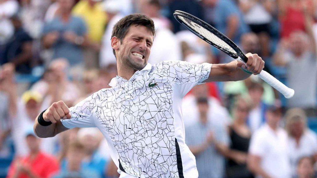 Djokovic celebra un punto en el Masters 1000 de Cincinnati
