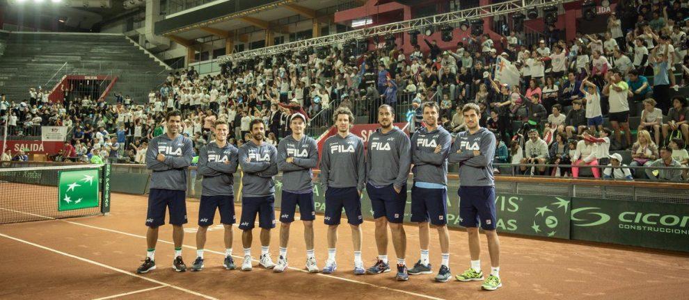 Jugadores y equipo técnico de Argentina preparados para enfrentar a Colombia | Foto: @AATenis
