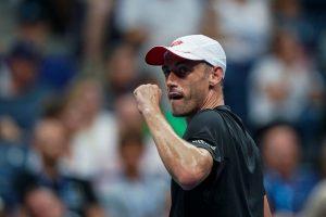 John Millman dio la sorpresa del torneo al eliminar a Roger Federer en octavos de final. | Foto: @ATPWorldTour