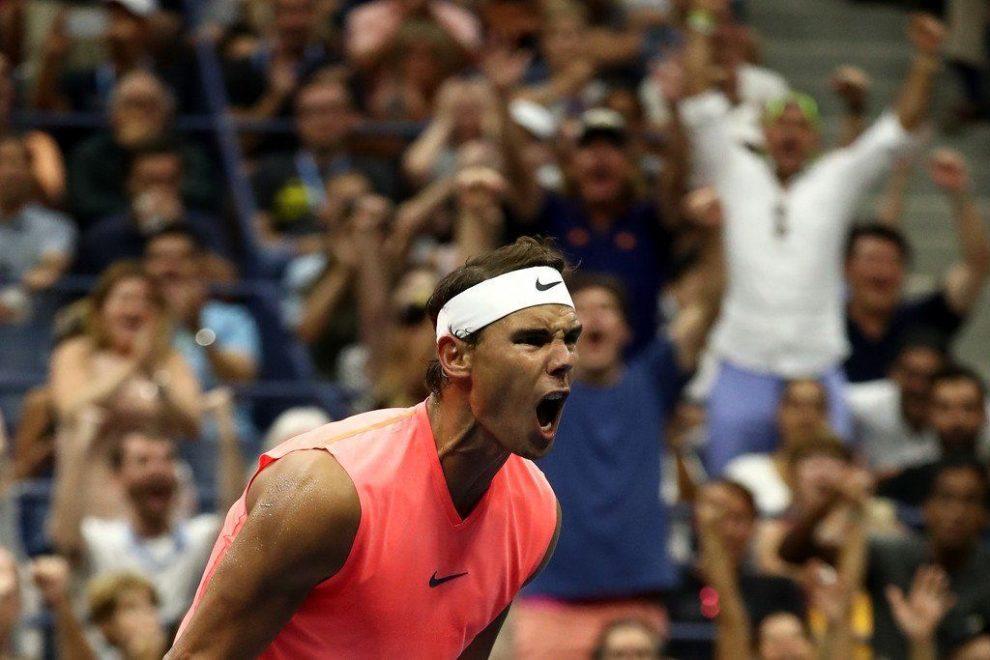 Tras un durísimo partido, Rafa Nadal festeja su paso a octavos de final del US Open 2018 | Foto: @ATPWorldTour_Es