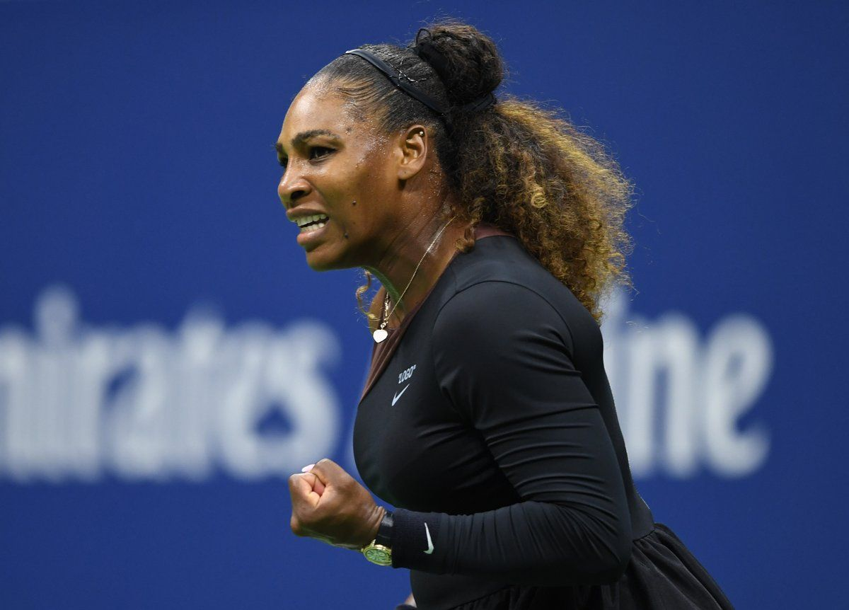 Serena Williams y su festejo medido tras su triunfo ante Venus en US Open 2018 | Foto: @WTA