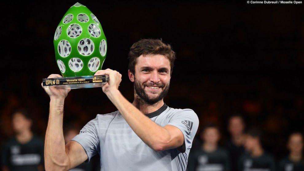 Gilles Simon posa con el título del ATP 250 de Metz