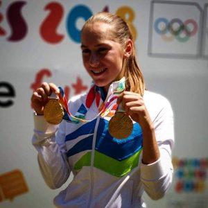 Kaja Juvan posa con la medalla de oro en los Juegos Olímpicos de la Juventud Buenos Aires 2018