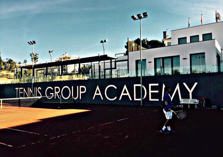 Leandro Serrano en las instalaciones de Tenis Group Academy