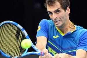 Albert Ramos golpea un revés en el ATP de Amberes
