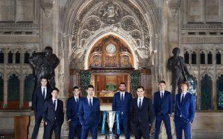 Los jugadores de las Nitto ATP Finals posan con el trofeo de 2018