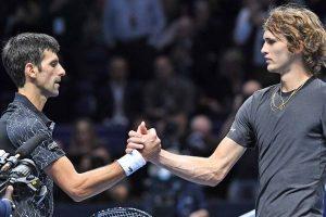 Djokovic y Alexander Zverev se saludan tras su partido en las Nitto ATP Finals