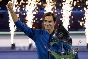 Federer celebra el título 100 en el ATP de Dubai