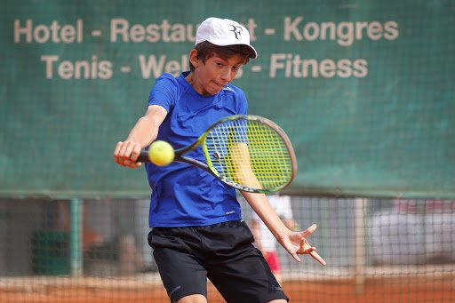 Peter benjamin privara tenis