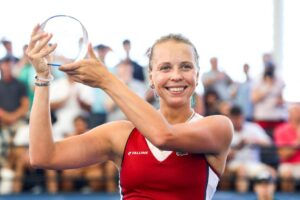 Kontaveit Begu WTA Cleveland