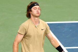 Andrey Rublev disfrutando tenis